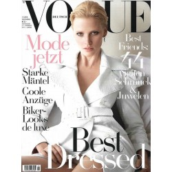 Vogue 11/November 2016- Lara Stone Best Dressed