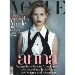 Vogue 3/März 2015 - Anna Ewers So magisch