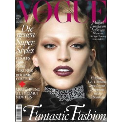 Vogue 10/Oktober 2013 - Vanessa Axente Fantastic Fashion