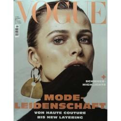Vogue 11/November 2018 - Edita Vilkeviciute